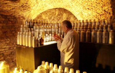 Atelier de Parfumerie Guy Delforge-Visites - Curiosités bis Provinz Namur
